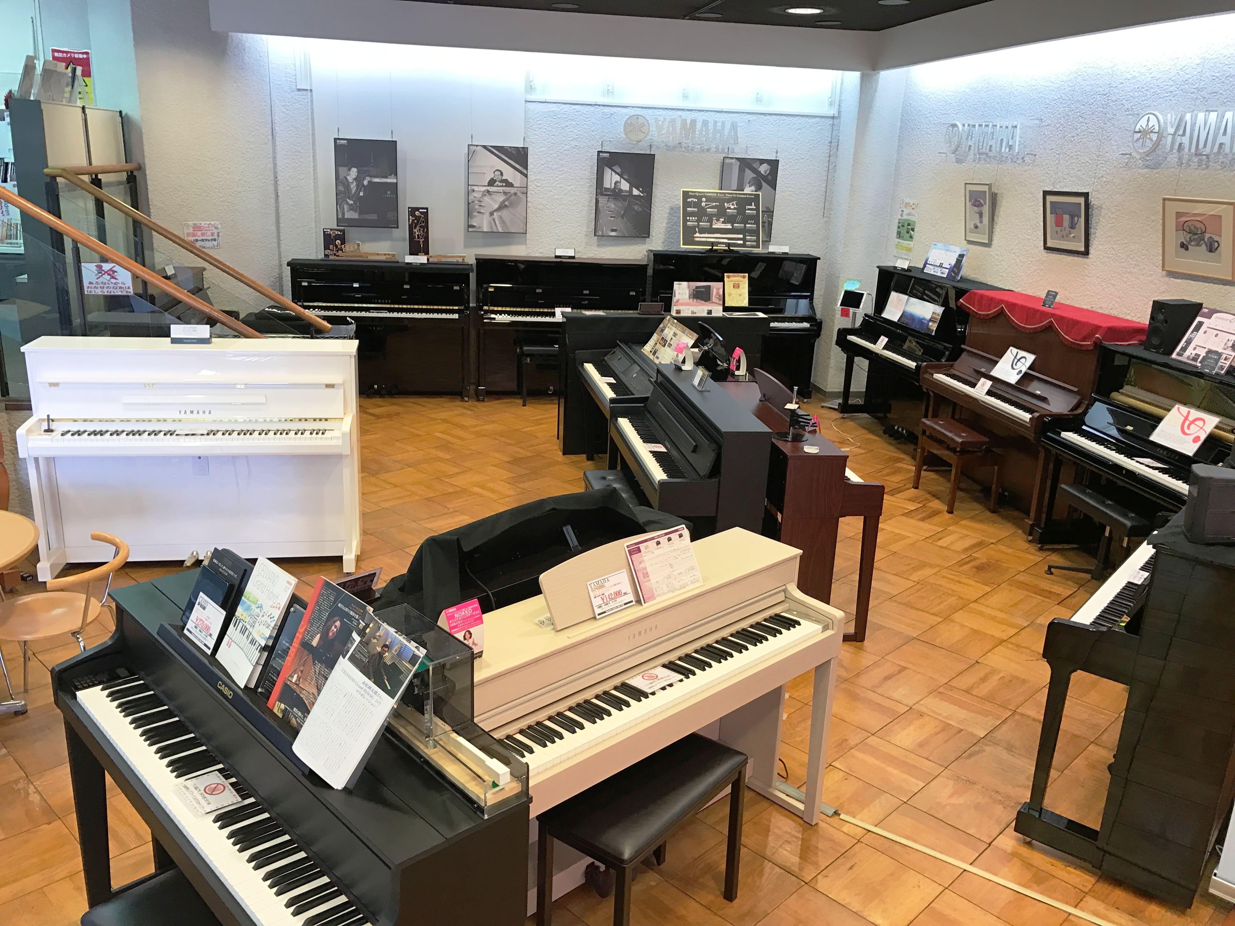 アップライトピアノ、電子ピアノ